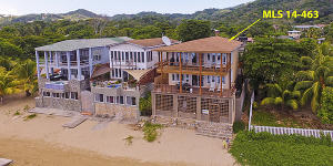 - Large Dock, Sandy Bay Beachfront Home, Roatan,