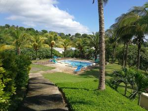 Springfield, Sea Views, 2 Bed 2 Bath Condo 1F, Roatan,