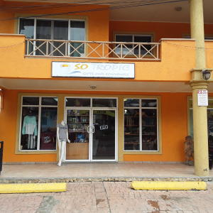 West Bay Mall, So Tropic Gift Store, Roatan,