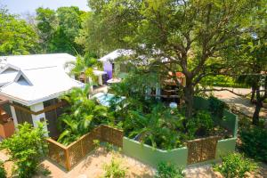 Lawson Rock, Casa Gallina, Roatan,