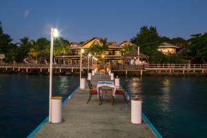 Join the Caribe Tesoro family!, Be part of the future:, Roatan,