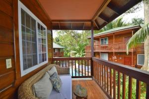 Blue Bahia Resort, Sea View Condo 4B, Roatan,