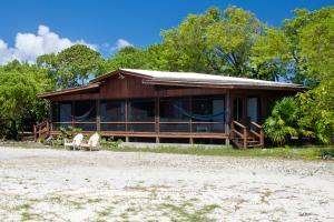 Deep Water Moorage, Beachfront Home with, Roatan,