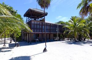 Milton, The Big Beach House, Roatan,