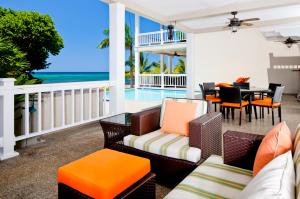 Floor S105, Lawson Rock - 2 Bdrm- Main, Roatan,