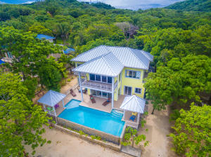 Loru Beya beachfront home