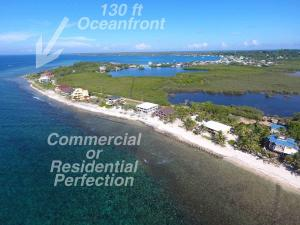 Super rental or homesite, 130 ft Oceanfront by road, Utila,