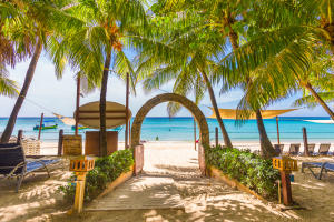 West Bay Beach, Island Pearl, Roatan,