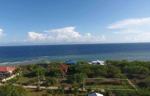 site, Steps from the water!, Buyer Friendly Oceanview, Utila,