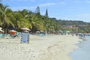 Princess Resort West Bay Beach, 2 Bedroom Condo In Mayan, Roatan,