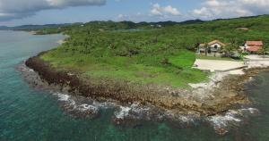 .71 acre Lot 306, Parrot Tree Ocean Front Land, Roatan,