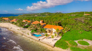 Detached Casita at Parrot Tree, Luxury Beachfront Home +, Roatan,