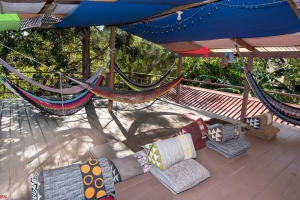 Sleeps 22, West End, Buena Onda Hostel, Roatan,