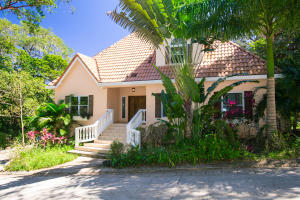 4 BR Home Lawson Rock Lot 80, Roatan,