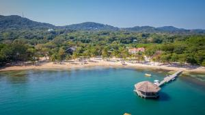 Palmetto Bay, Plantation, Beachfront Homesite in, Roatan,