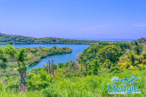 Coco Rd. First Bight, Lifestyle by Atocha Lot #5, Roatan,