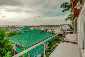 Condominiums, Crystal Condo at Sea Vue, Roatan,