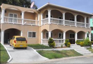 West End, Sunset Villa 3B, Roatan,