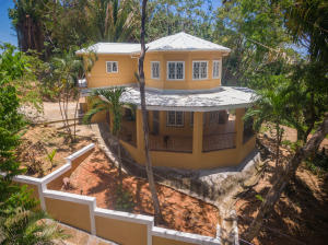 Income Producing Rental, Ideal for Permanent Move or, Roatan,
