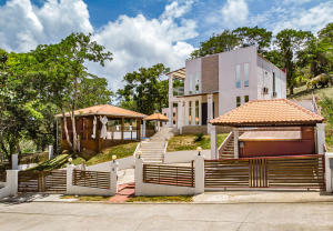 White Rock Hills, Casa de La Luz, Roatan,