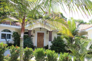 PTP Parrot Tree Plantation, Beautiful 5 bedroom 3 bath, Roatan,