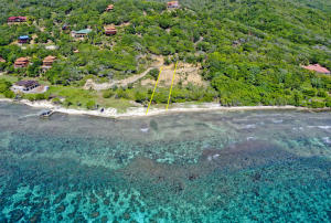 IN SIZE, 100' OF BEACHFRONT - .5 ACRES, Roatan,