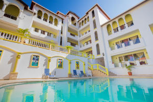 West Bay Road, West Bay Colonial Hotel, Roatan,