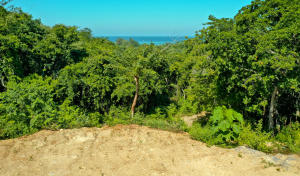 Fully serviced building lots, Great North Shore colors, Roatan,