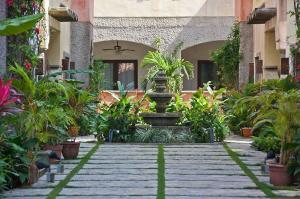 Condo, Mission Gate, West Bay 2 bedroom 2 Bath, Roatan,