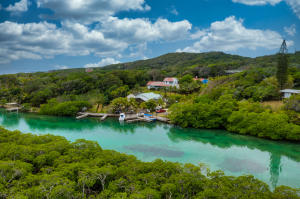 Access to a Sandy Beach, Home with Private Boat Slip, Roatan,