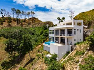 Coral View Village, Ambra Beach Home, Roatan,