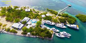 front Villa Limon Amarillo, Barefoot Cay -2Bed/2Bath Beach, Roatan,