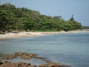Crawfish Rock, 5.5 Acre Beach Front, Roatan,