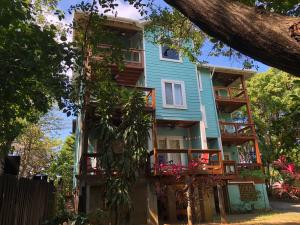 West End, Mangrove Bight Views Building, Roatan,