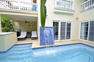Condo with Private Pool, Lawson Beach Club, Y109, Roatan,