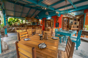 West Bay Road, LaLa Cafe & Art Gallery, Roatan,