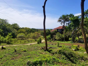 0.13 acres on Pumpkin Hill, The Perfect Pumpkin Plot, Utila,