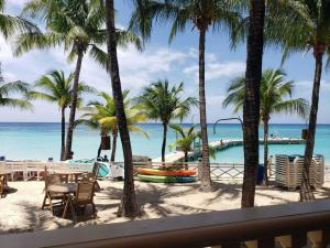 Condo #1001 West Bay, Beachfront Infinity Bay Resort, Roatan,