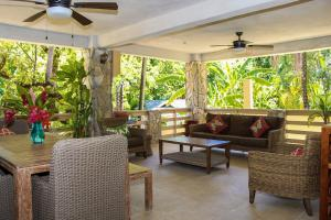Rock Point Villas, Roatan,