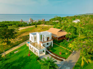 Coral Views Village, Lot #6 Phase 1, Roatan,