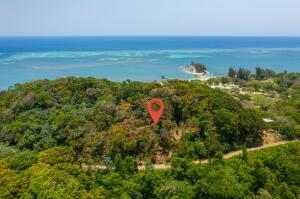 Johnson Bight, 0.63 Acre Lot, Roatan,
