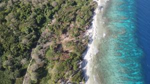 south shore, Big Rock Ocean Front lot #12, Utila,
