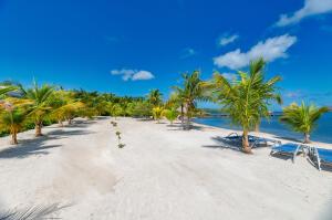 Guaiabara, Beachfront Lot B-2A, Roatan,