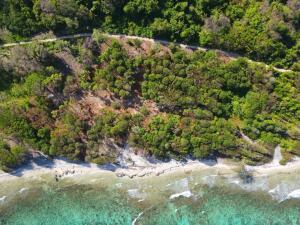South Shore, Ocean Front at Big Rock #13, Utila,