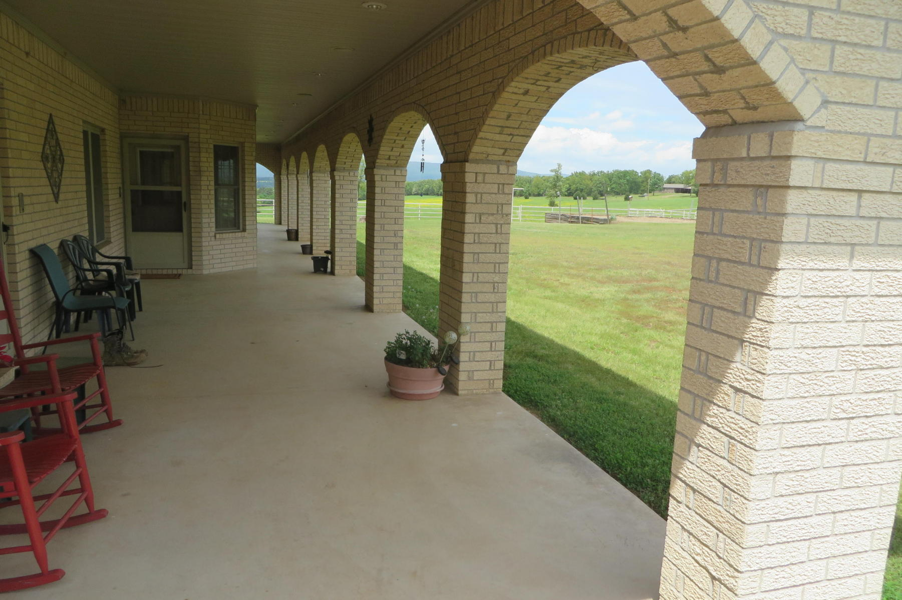 Large photo 9 of home for sale at 135 DARTER Lane, Russellville, AR