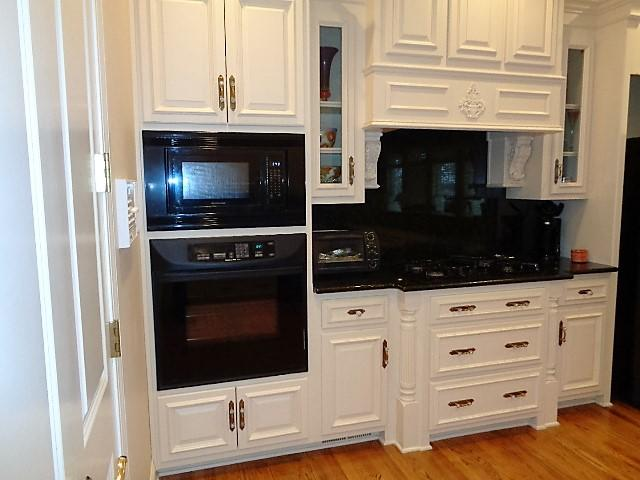 Large photo 3 of home for sale at 16 Briarwood Lane, Clarksville, AR
