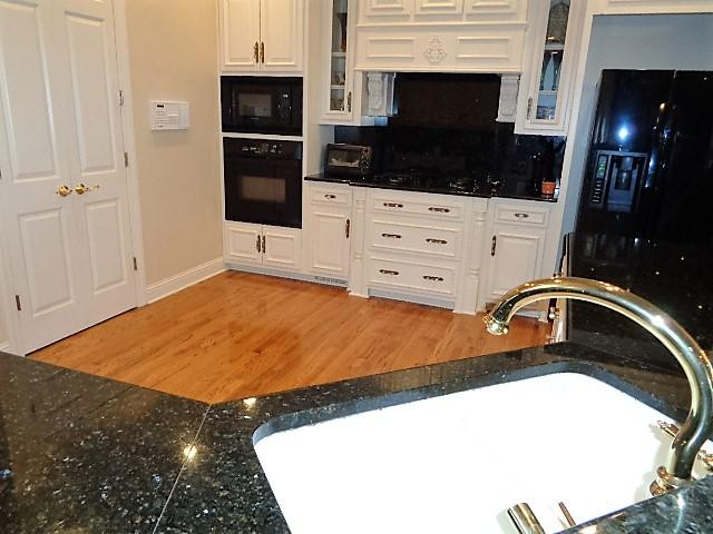 Large photo 4 of home for sale at 16 Briarwood Lane, Clarksville, AR
