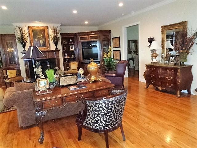 Large photo 8 of home for sale at 16 Briarwood Lane, Clarksville, AR