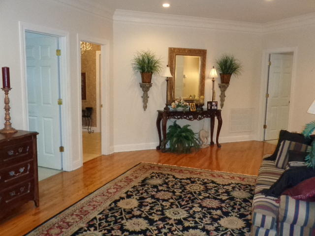 Large photo 13 of home for sale at 16 Briarwood Lane, Clarksville, AR