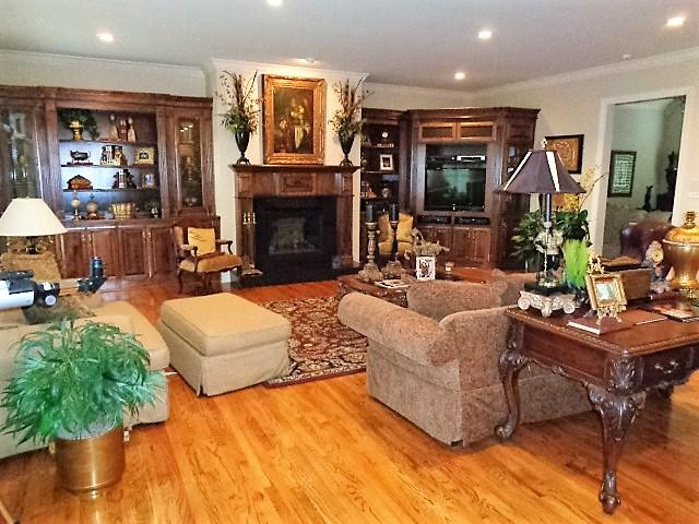 Large photo 15 of home for sale at 16 Briarwood Lane, Clarksville, AR
